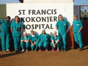 davanti all'ospedale di nkokonjeru